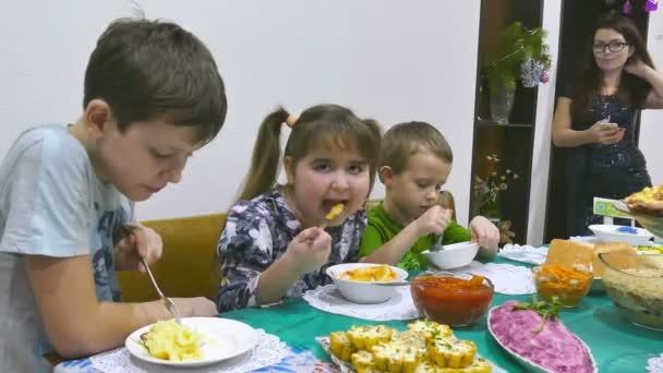 Kinderen Eten Familie Ontbijt Verjaardag Jongen En Meisje Eten