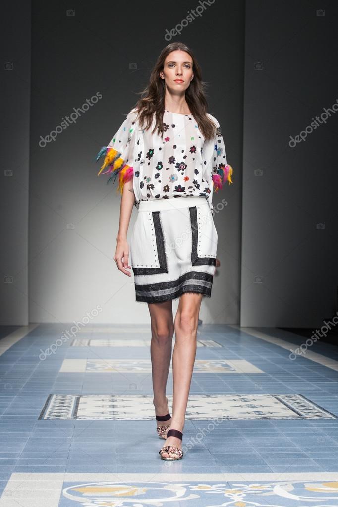 free shipping afca8 d8443 Kristina Ti - Milan Fashion Week Spring-Summer 2015 – Stock ...