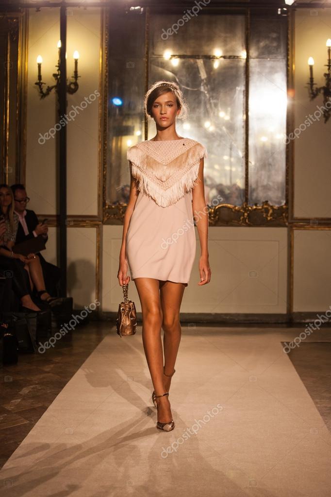 039450a016 Elisabetta Franchi - Milan Fashion Week Spring-Summer 2015 – Stock ...