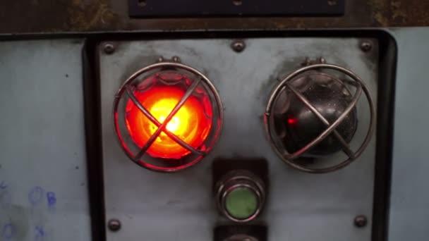Průmyslové stroje červené světlo kapesní
