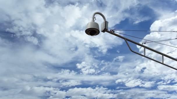 Kamery proti Timelapse mraky