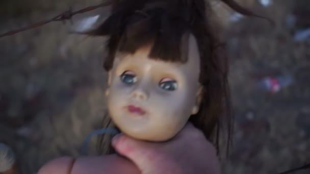 Panenku horor Psycho uškrtit panenka Pov