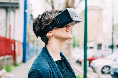 woman using 3D viewer