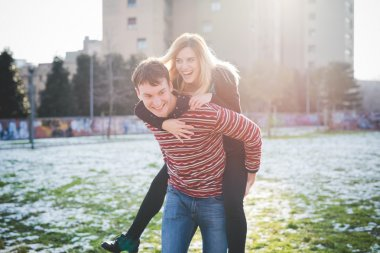 Young lovers couple in city