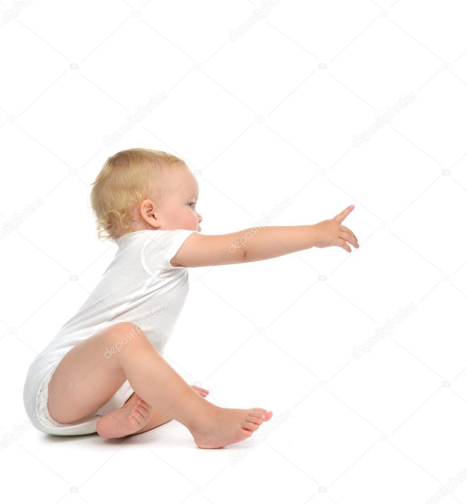 Afbeeldingsresultaat voor wijzende baby op arm