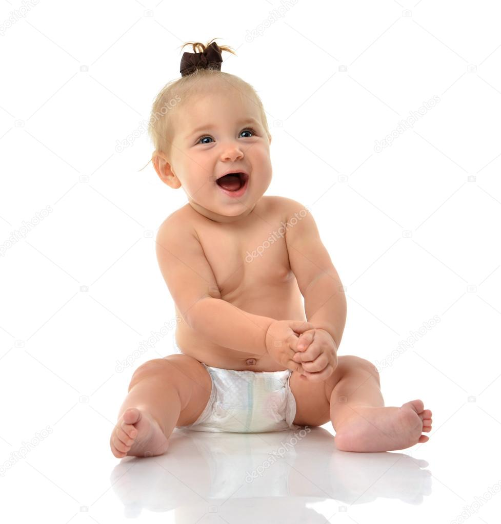 Ni o infantil beb ni a ni o peque o sentado sonriente en - Foto nino pequeno ...