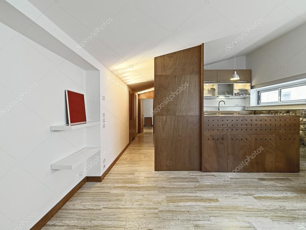 Vista all 39 interno dell 39 appartamento con cucina in legno e - Caldaia all interno dell appartamento ...