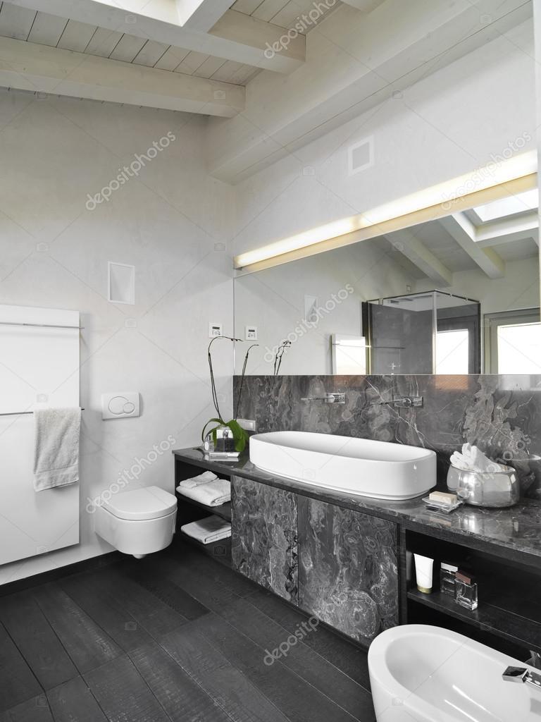 innenansicht von einem modernen badezimmer — stockfoto, Badezimmer ideen