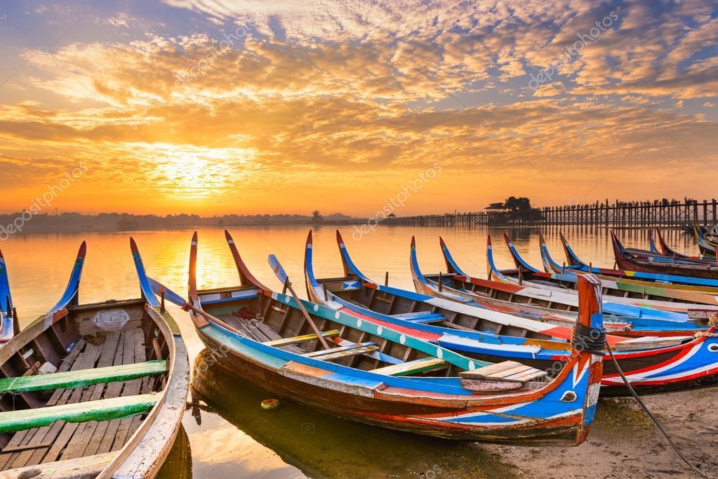 Mandalay Myanmar at Taungthaman Lake