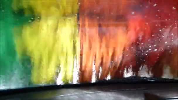 Záběry prostřednictvím winscreen v mytí aut