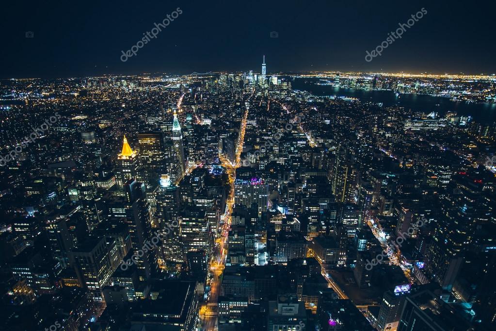 Vista a rea de noite de new york city fotografia de for Foto new york notte