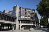 BOCHUM, DEUTSCHLAND - 17. September 2020: Volkshochschule und Stadtbücherei in Bochum. Volkshochschule.