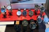 BOCHUM, DEUTSCHLAND - 17. SEPTEMBER 2020: Armbanduhren der Marke Tissot werden in einem Geschäft in Bochum ausgestellt. Tissot ist ein Schweizer Luxusuhrenhersteller.