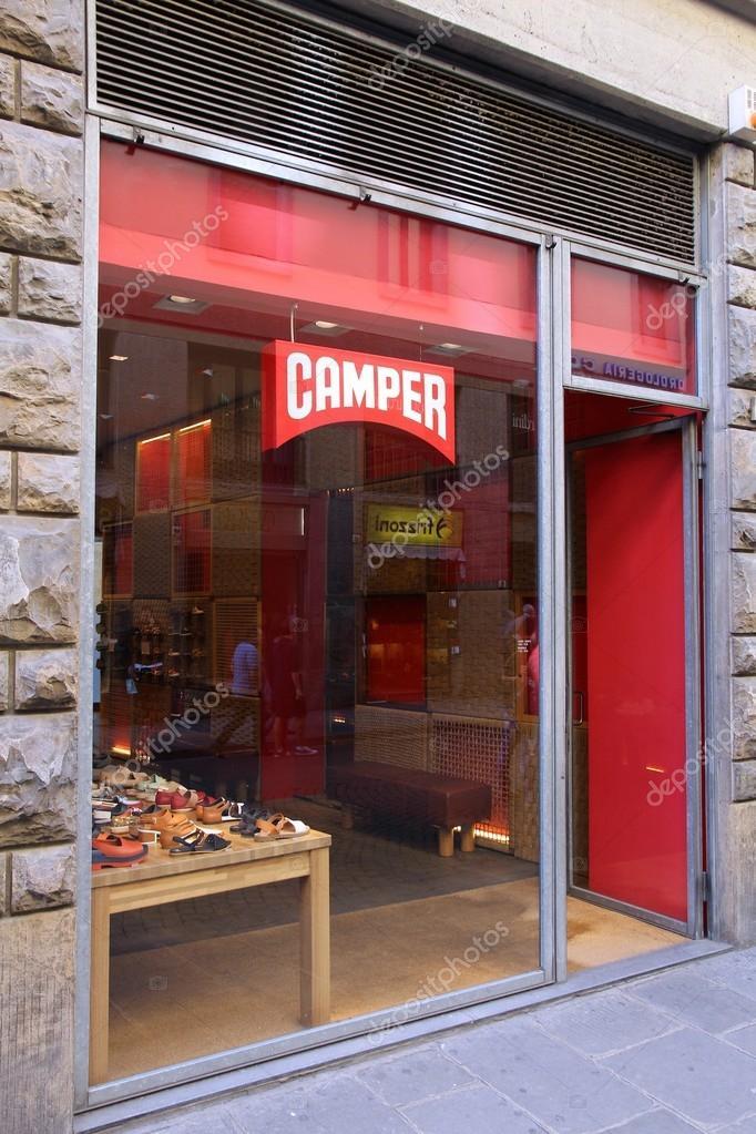 florencia italia de abril de tienda en florencia camper calzado moda empresa de calzado espaol existe desde cuenta con tiendas