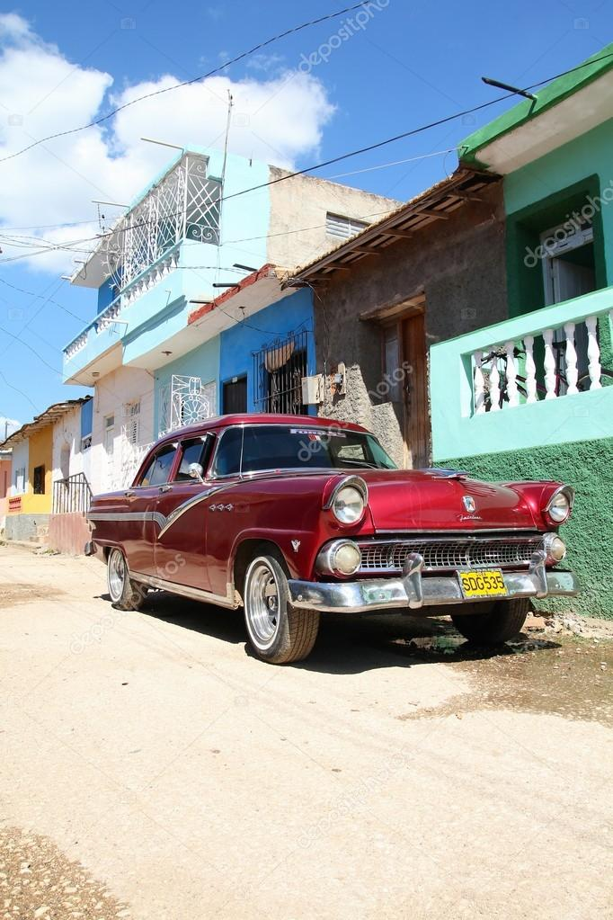 Cuba oldtimer - old car – Stock Editorial Photo © tupungato #88683532
