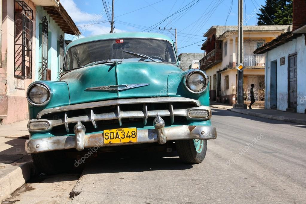 Cuba old car – Stock Editorial Photo © tupungato #88683540