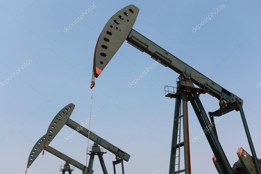 粗野油井掘削装置のグリーン オ...
