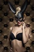 Fényképek nő, bájos nyuszi maszk