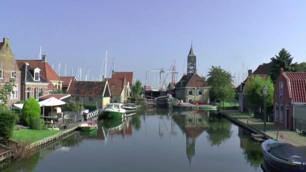 Prohlédni si na historické vesnice Hindeloopen