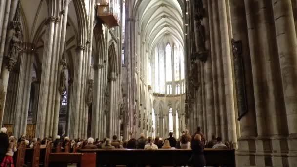 Service in der Kathedrale von St. Peter
