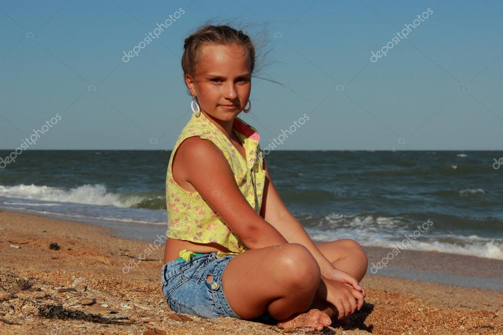 Little girl and Black Sea