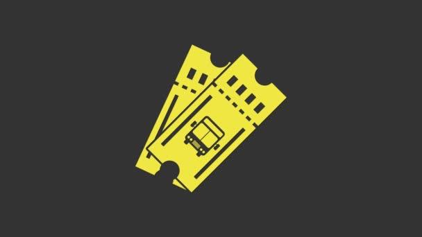 Sárga buszjegy ikon elszigetelt szürke háttér. Tömegközlekedési jegy. 4K Videó mozgás grafikus animáció