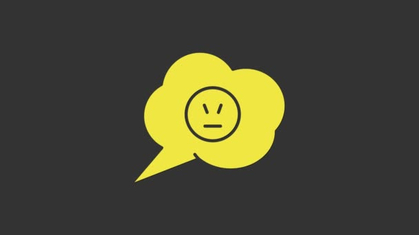 Žlutá bublina řeči s rozzlobeným úsměvem ikona izolované na šedém pozadí. Emotikonový obličej. Grafická animace pohybu videa 4K