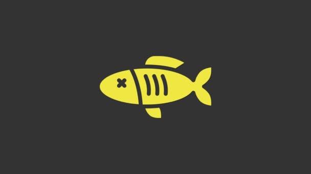 Sárga szárított hal ikon elszigetelt szürke alapon. 4K Videó mozgás grafikus animáció