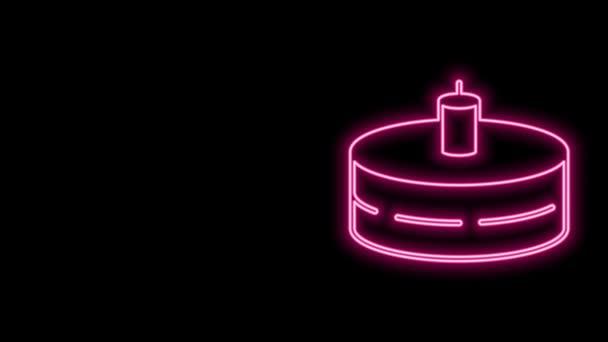 Ragyogó neon vonal Torta égő gyertyák ikon elszigetelt fekete alapon. Boldog szülinapot! 4K Videó mozgás grafikus animáció