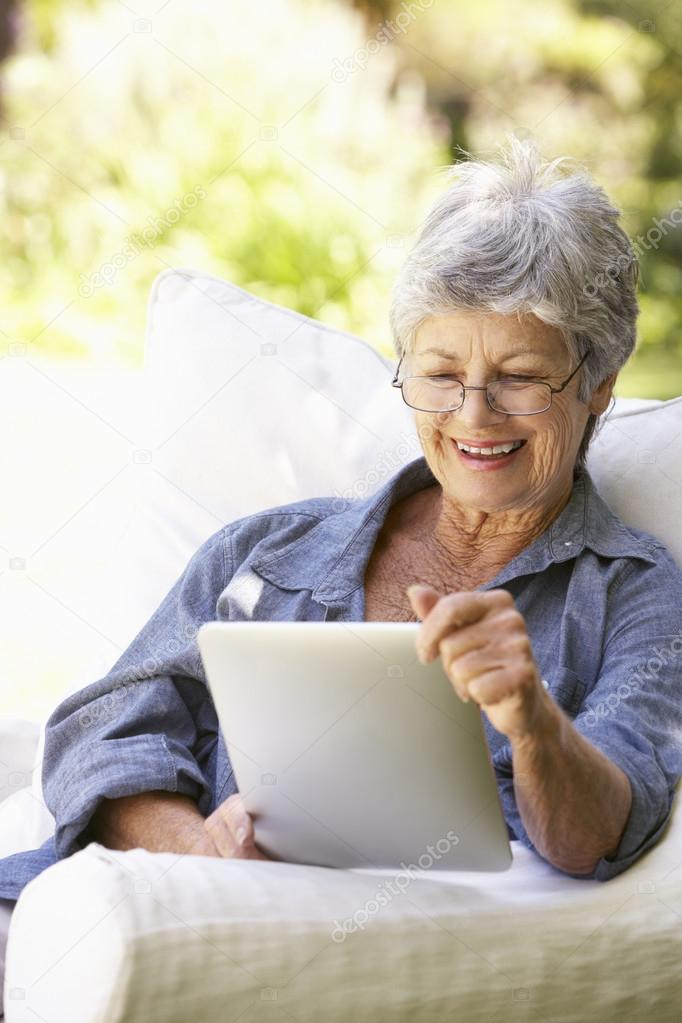 Top Rated Online Dating Services For 50 Plus