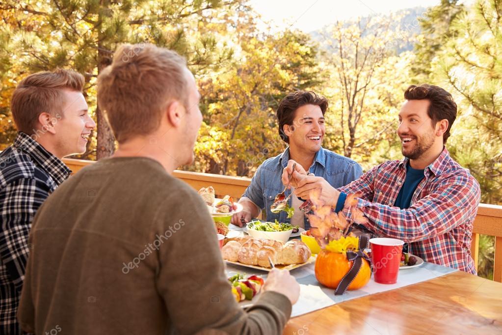 sexe gay avec des amis
