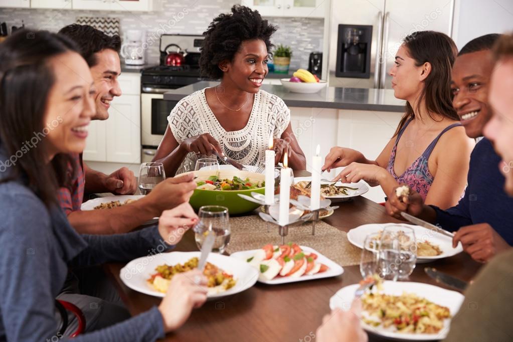 Жена наслаждается с друзьями — pic 12