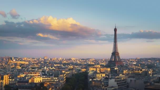 panorámás kilátás Párizs, Champs Elysees és az Eiffel-torony