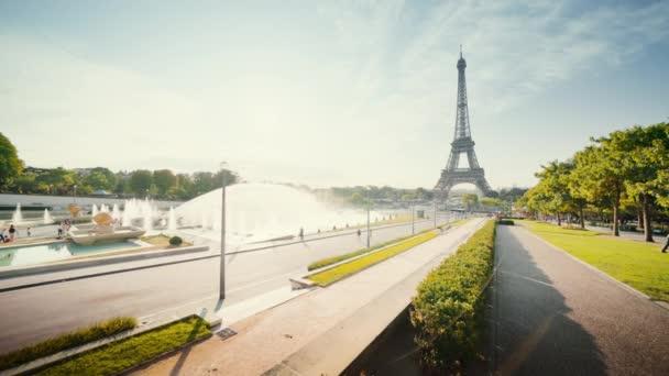 kora reggel az Eiffel toronynál, Párizs, Franciaország