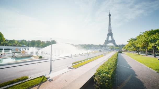 časné ráno v Eiffelově věži, Paříž, Francie