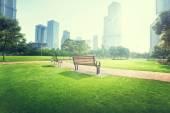 Lavička v parku, Šanghaj, Čína