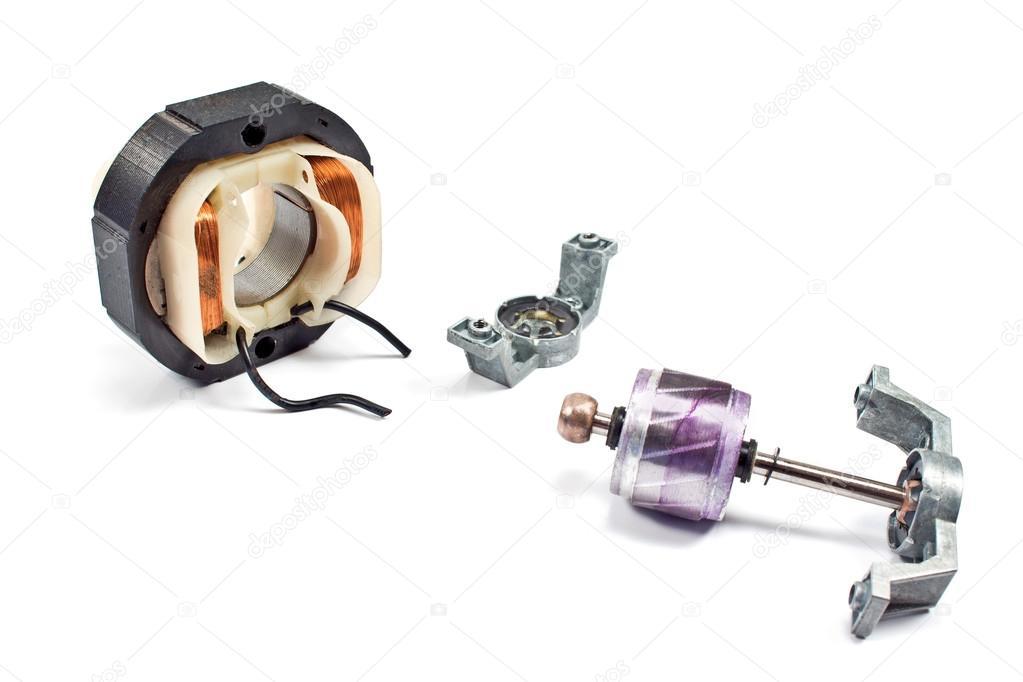 Kupferspirale Motor isoliert auf weiss — Stockfoto #80965160