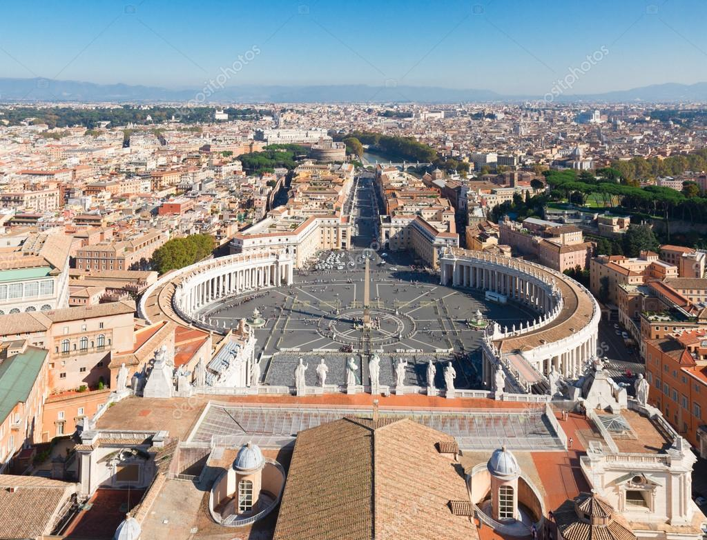 Saint Peters Square, Vatican, Rome, Italy
