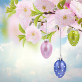 Photo Colorful hanging easter eggs