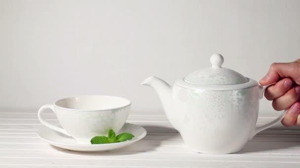 Kupa tea mentával