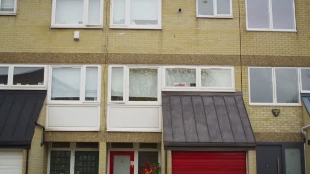 egy londoni külvárosban teraszos lakások