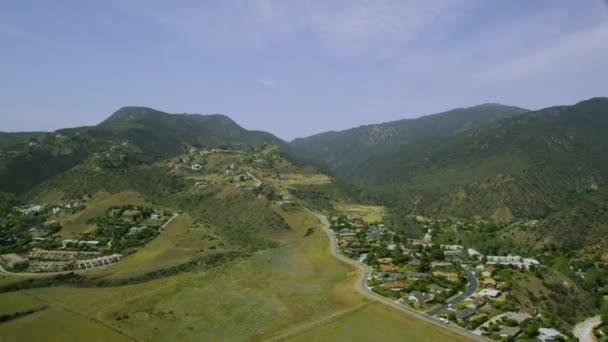 Kalifornie předměstí domy a města