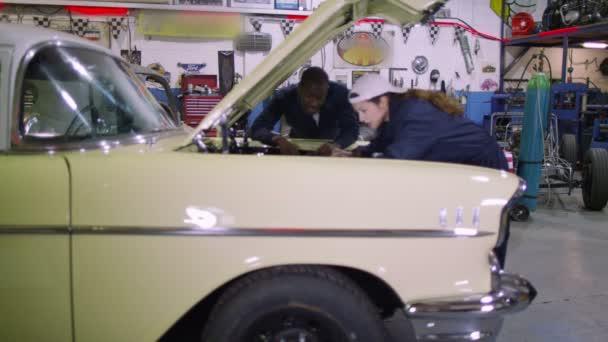mechanika, kontrola nad motor