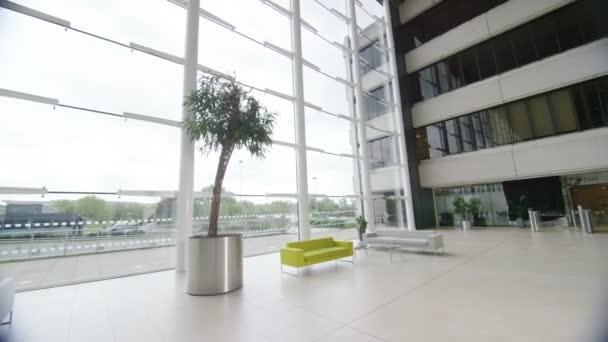 Interiér moderní firemní budovy
