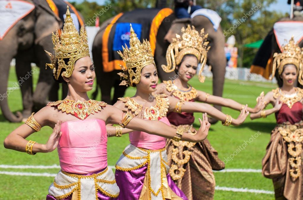 Thai dancers dancing