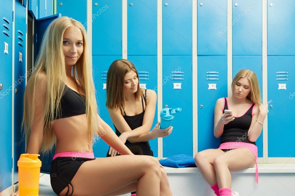 Sexy Meisjes Rust In De Kleedkamer Na Training  Stockfoto -9605