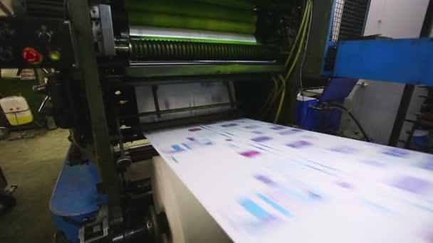 Výrobní linka print shop typografie stroj