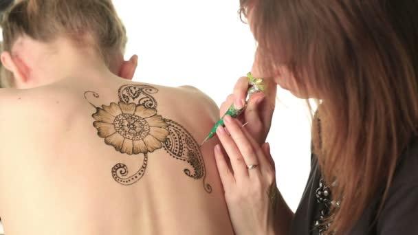 Henna modellek vissza a gyönyörű mintázata