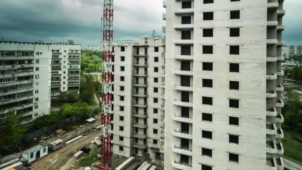 Pozemní stavitelství s ulicí a panoráma