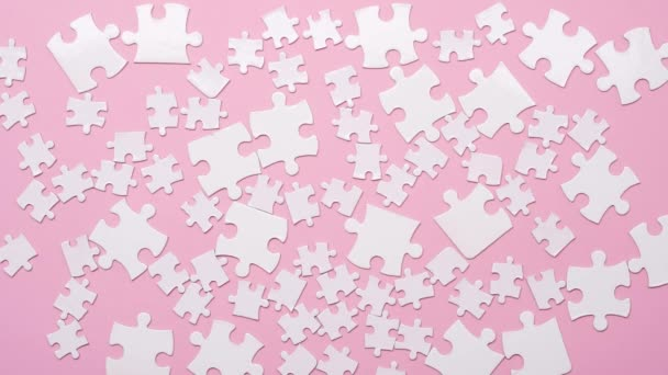 Pozadí bílé taneční puzzle kousky